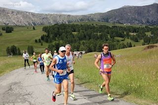 DISCOVERING DOLOMITES THROUGH RUNNING