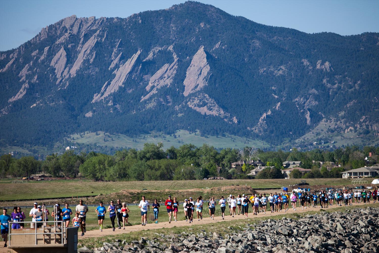 Alles over de Boulder Backroads Marathon Half Marathon en hoe jij er aan mee kunt doen